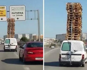 Andar Pelas Estradas Com Uma Torre De 16 Paletes é Algo Muito Natural Para Este Condutor 5