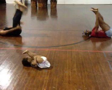 Menina De 2 Anos Ensina Coreografia a Bailarinos Experientes 3