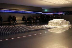 Quando Se Combina a Tecnologia à Arte, Surge Esta Incrível Escultura Móvel Feita De Cilindros De Alumínio 10