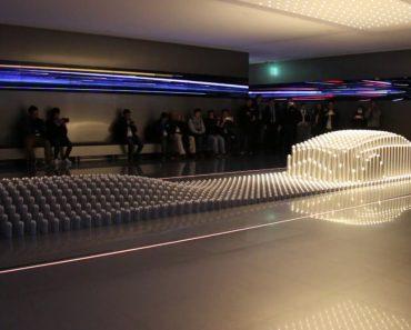 Quando Se Combina a Tecnologia à Arte, Surge Esta Incrível Escultura Móvel Feita De Cilindros De Alumínio 3