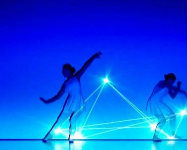 Um Maravilhoso Momento De Luzes e Dança Que o Vai Deixar Colado Ao Écran 5
