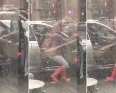 Mulher Passa Por Momento Complicado Ao Tentar Fechar Porta Do Carro Por Causa Do Vento 6