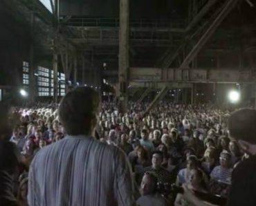"""1500 Pessoas Criam Momento Maravilhoso Ao Cantarem """"Hallelujah"""" 10"""