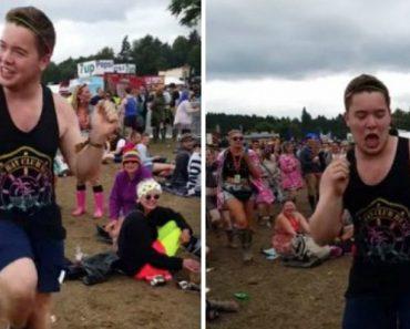 Jovem Capta a Atenção De Todos Com a Sua Energética Dança Em Festival 9