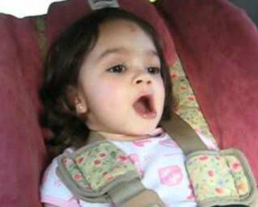 Adorável Menina De 2 Anos Canta Música Dos Pearl Jam Durante Viagem De Carro 4