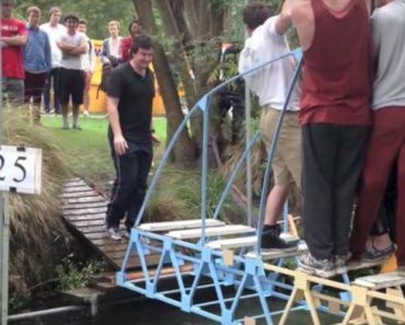 Estudantes Testam As Pontes Que Construíram Usando o Próprio Peso 8