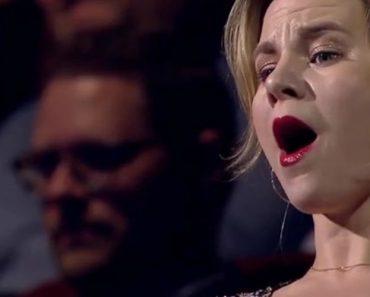 """Orquestra Sinfónica Nacional Dinamarquesa Faz Extraordinária Interpretação Do Clássico """"O Bom O Mau e O Vilão"""" 8"""