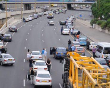 Ruas De Israel Paralisam Ao Som Da Sirene Em Memória Das 6 Milhões De Vítimas Do Holocausto 9