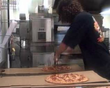 Provavelmente o Mais Rápido Cortador De Pizza Do Mundo 2