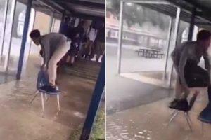 Para Não Estragar Os Sapatos Novos, Aluno Usa Cadeiras Da Escola Para Escapar De Inundação 10