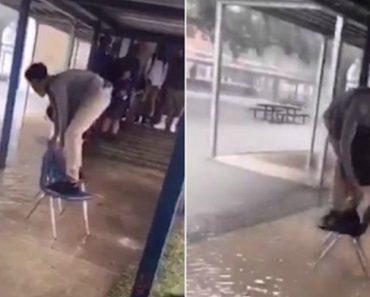 Para Não Estragar Os Sapatos Novos, Aluno Usa Cadeiras Da Escola Para Escapar De Inundação 8