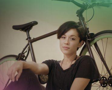 Jovens Fazem Espetacular Versão De Música Da Sia Usando Uma Bicicleta Como Instrumento Musical 7