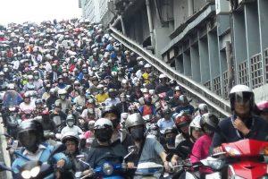 Andar De Moto Para Escapar Ao Trânsito Não é Solução Em Taiwan 10