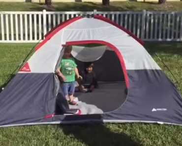 Criança Atira-se Para o Chão Por Solidariedade Depois Dos Amigos Tropeçarem Ao Sair De Tenda 9