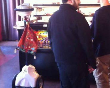 Robô Foi Ás Compras Em Café Da Califórnia e Surpreende Clientes 4