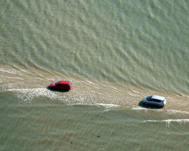 A Estrada Em França Que Fica Submersa Pela Água e Desaparece Duas Vezes Por Dia 8