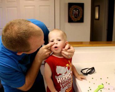 Sem Causar Qualquer Dor, Pai Remove Ervilha Do Nariz Do Filho Em Segundos 8