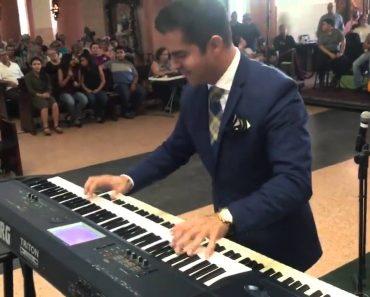 Talentoso Noivo Arrasa Ao Entreter Convidados Enquanto Espera Pela Chegada Da Noiva 4