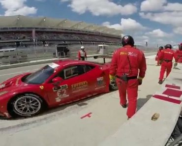 Mecânicos Deixam Cair Ferrari Durante Troca De Pneus 1