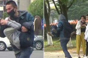 Homem Simula Sequestrar Uma Criança Nas Ruas Da China, Veja Como Reagem As Pessoas! 10