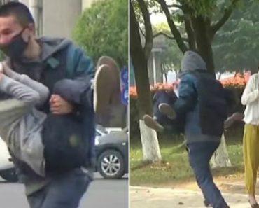 Homem Simula Sequestrar Uma Criança Nas Ruas Da China, Veja Como Reagem As Pessoas! 7