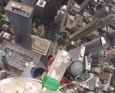 Imagens Impressionantes De Trabalhos De Manutenção No Topo De Um Edifício Com 344 m Altura 6