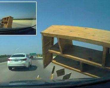 Condutor Sofre Colisão Ao Ser Surpreendido Com Um Móvel No Meio Da Estrada 8