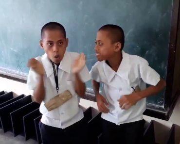 """Irmãos """"Arrasam"""" Com Incrível Beatbox à Sua Maneira 5"""