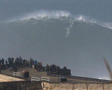 Surfista Australiano Arrisca a Sorte Na Nazaré. Imagens São Impressionantes 9