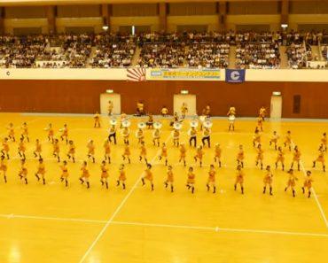Alunos Japoneses Fazem Extraordinária Apresentação Combinando Música e Sincronização 3