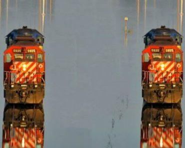 Mesmo Debaixo De Água, Esta Linha Férrea No Bangladesh Continua a Ser Usada Todos Os Dias 3