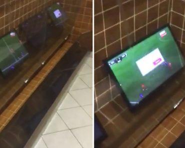 Neste Bar Os Clientes Não Precisam De Parar De Ver Os Jogos De Futebol Para Irem Ao WC 4