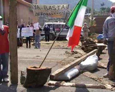 Habitantes De Cidade Mexicana Tomam o Poder e Expulsam o Crime Organizado, Os Políticos e a Polícia 8