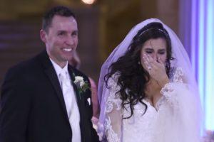 Noiva Pensava Que a Sua Primeira Dança Estava Arruinada... Mas Teve a Surpresa Da Sua Vida! 10