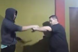 """""""Mestre"""" Em Defesa Pessoal Ensina Como Se Defender De Atacante Armado Com Faca 10"""
