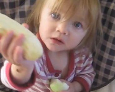 Bebé Recusa Banana Para Comer Uma Cebola Crua 1