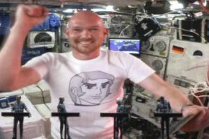 Astronauta Participou Em Concerto Dos Kraftwerk a Partir Do Espaço 10