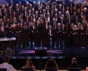 Coro Imita Som Da Chuva Com As Mãos e Conquista Jurados Do America's Got Talent 5