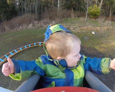 Engenhoso Pai Constrói Montanha-Russa No Quintal De Casa Para o Filho De 3 Anos 3