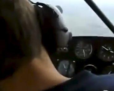 Piloto Finge Desmaio Em Pleno Voo e Quase Mata o Amigo De Susto 3