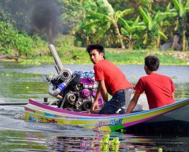 Tailandês Mostra a Incrível Potência Do Motor Do Seu Barquinho 1