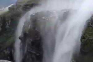 Vídeo Mostra Incrível Fenómeno Que Faz Cachoeira Correr De Baixo Para Cima 9