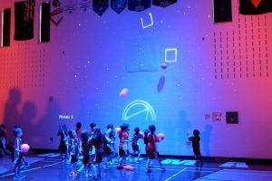 Crianças Divertem-se Com Nova Experiência Interativa No Ginásio Da Escola 10