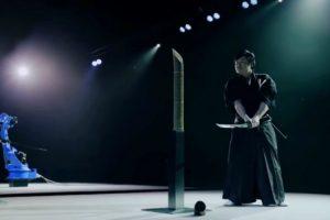 A Intensa Competição Entre Um Mestre Samurai e Um Robô 8