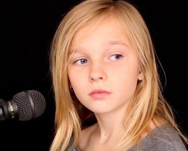 """Menina De 11 Anos Canta """"The Sound of Silence"""" De Forma Arrepiante 6"""