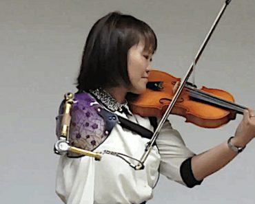 Japonesa Sem Braço Conquista Internautas Ao Tocar Violino 1