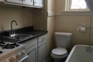 Por 500€ Mês é Possível Alugar Este Apartamento Com WC e Cozinha Na Mesma Divisão 10