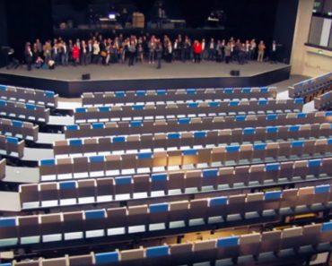 Dinâmico Centro De Convenções Na Suíça Adequa o Auditório Às Necessidades De Cada Evento 6
