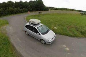 Nada Falta Nesta Renault Scenic  Genialmente Convertida Em Mini Autocaravana 9