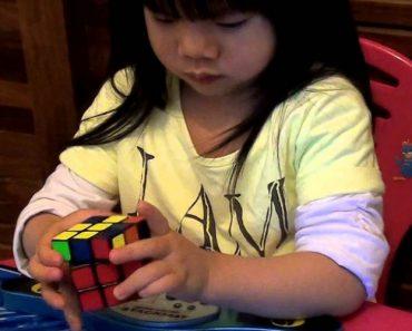 Menina De 2 Anos Resolve Cubo De Rubik Em 70 Segundos 3